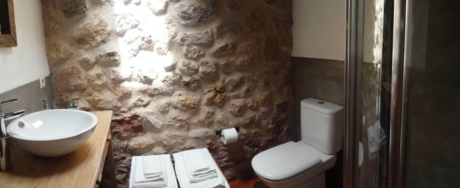 H.-morada-baño-02